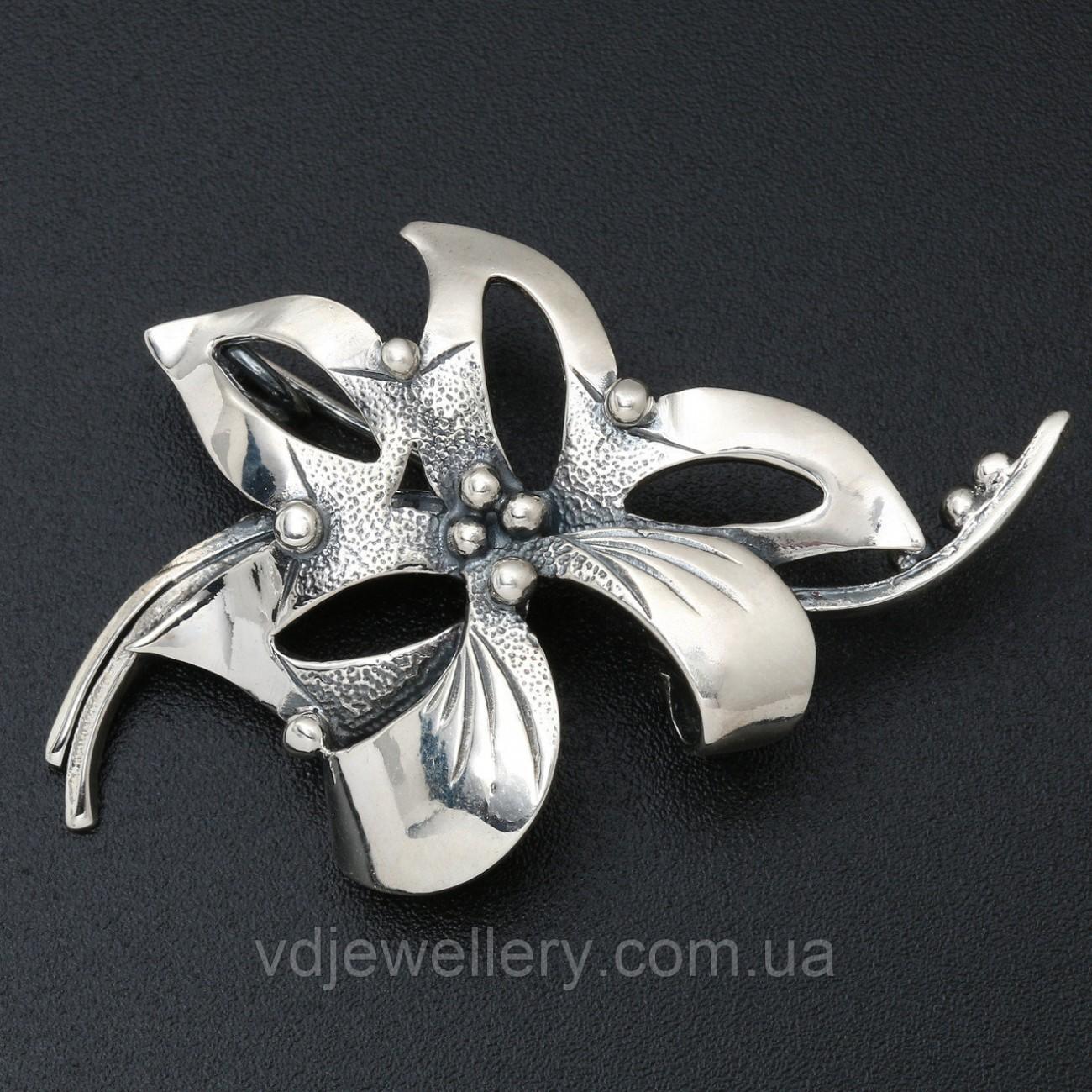Серебряная брошка 6100012